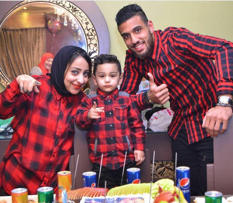 أحمد الشناوى وزوجته ونجله