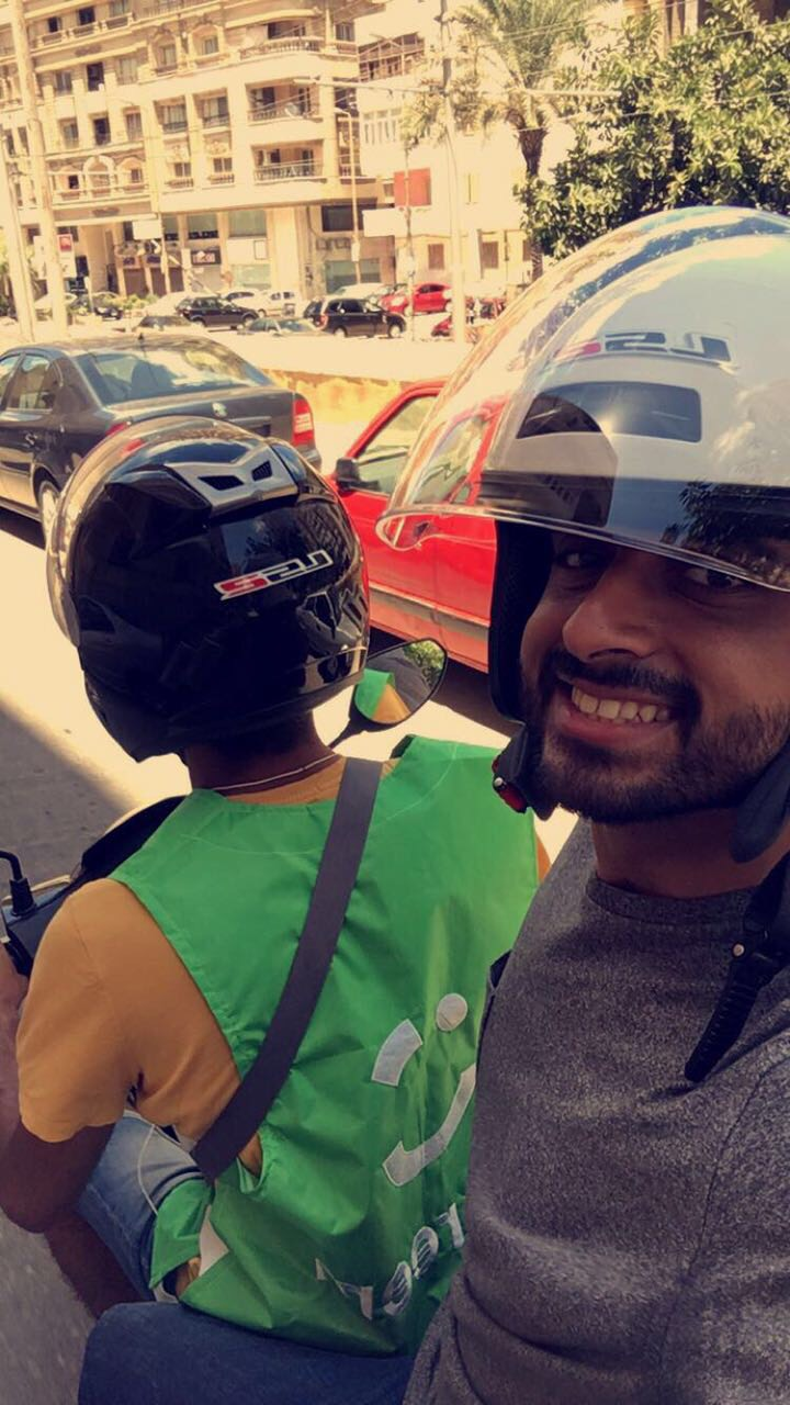 كريم تحارب الزحام بـ Bikes (3)