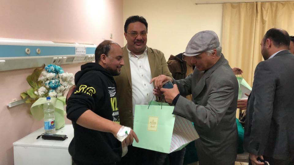 وفد الحكومه الليبيه المؤقته يزور جرحى بنغازى فى مصر