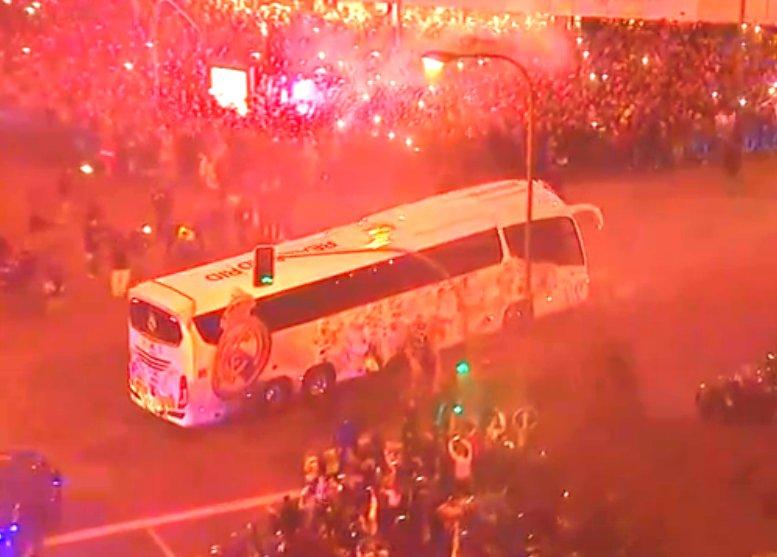 استقبال جماهير ريال مدريد لنجوم الفريق (4)