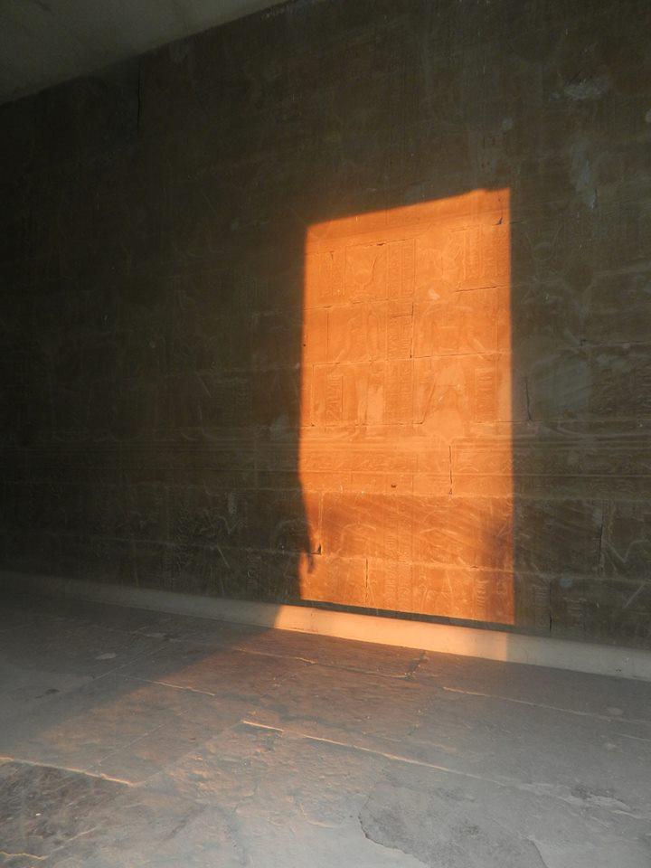 الشمس تتعامد على قدس أقداس معبد كلابشة بأسوان (3)
