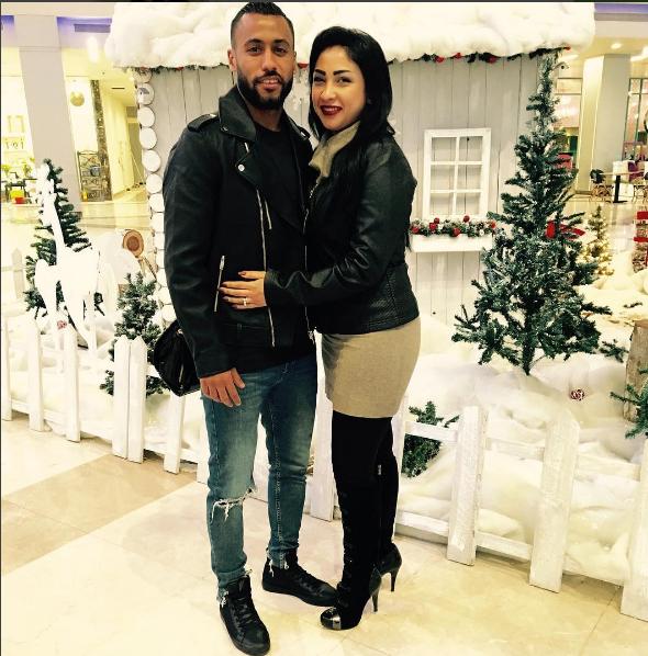 حسام عاشور وزوجته