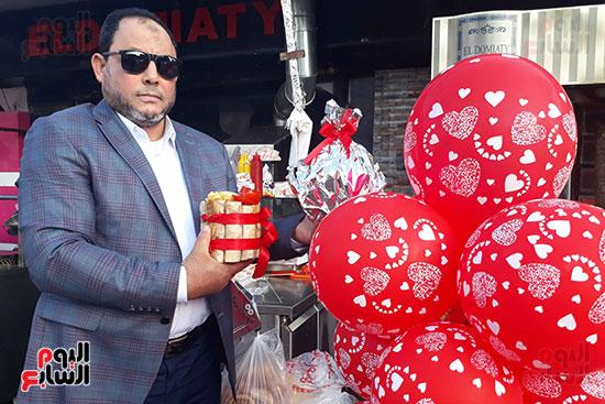 البالونات والشاورما