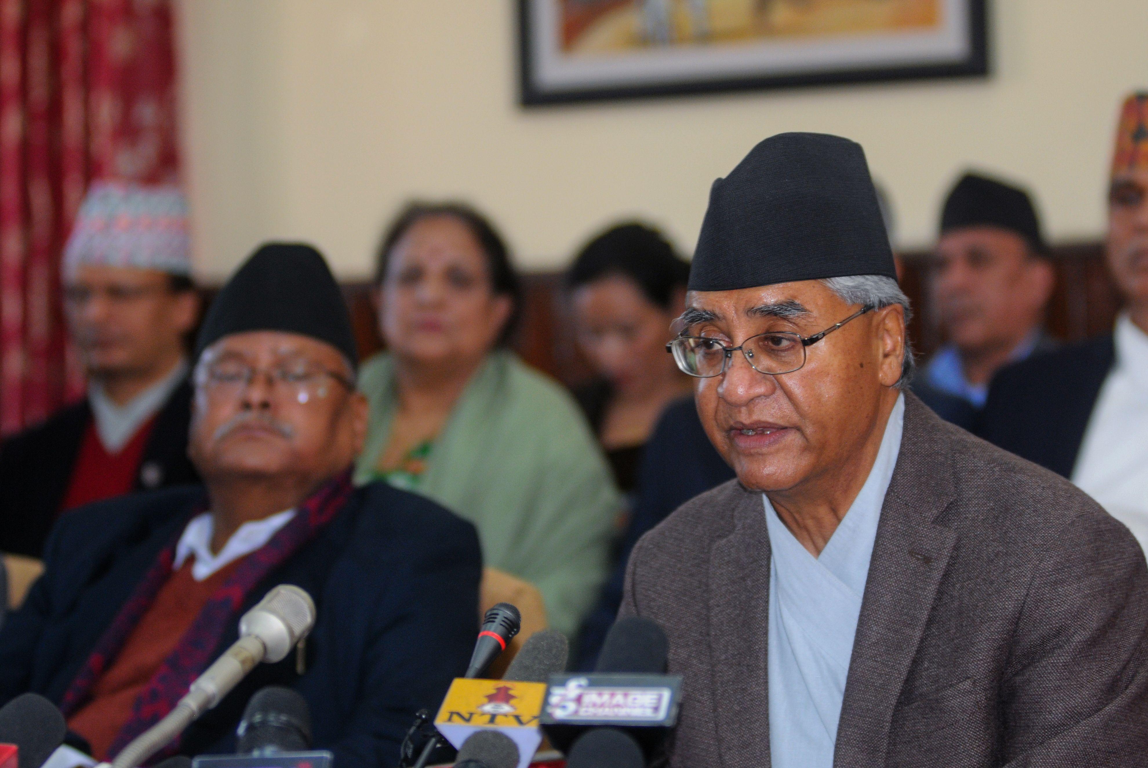 شير باهادور ديوبا رئيس وزراء نيبال فى حديثه للنيباليين