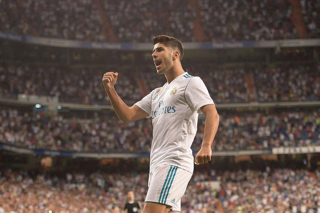 أسينسيو لاعب خط وسط ريال مدريد