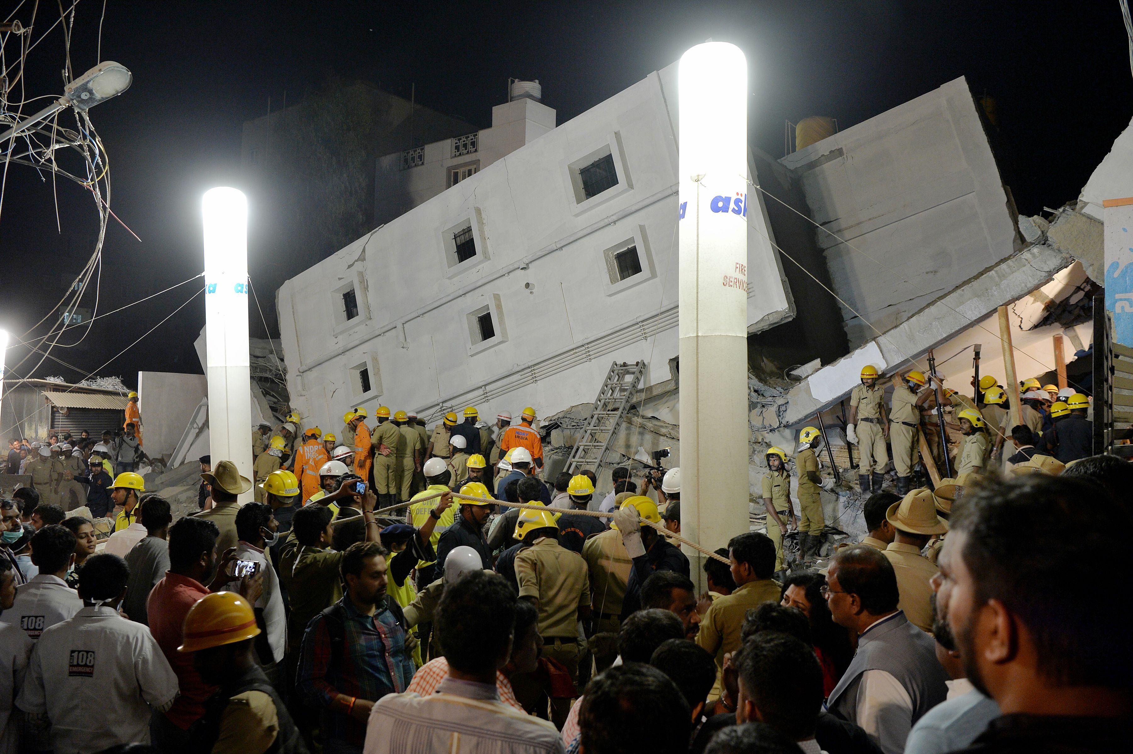 رجال الإطفاء بالهند