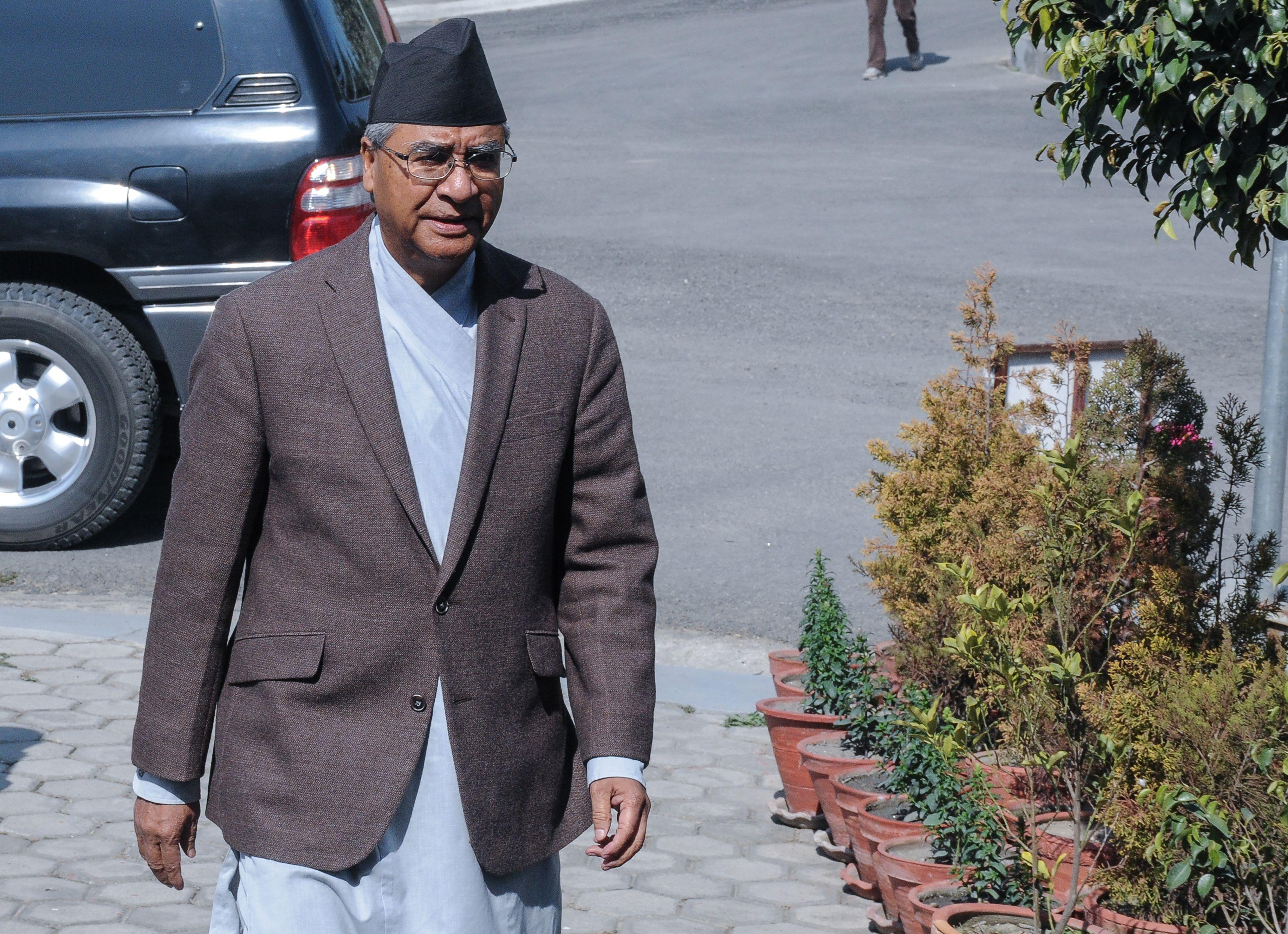 شير باهادور ديوبا رئيس الوزراء النيبالي