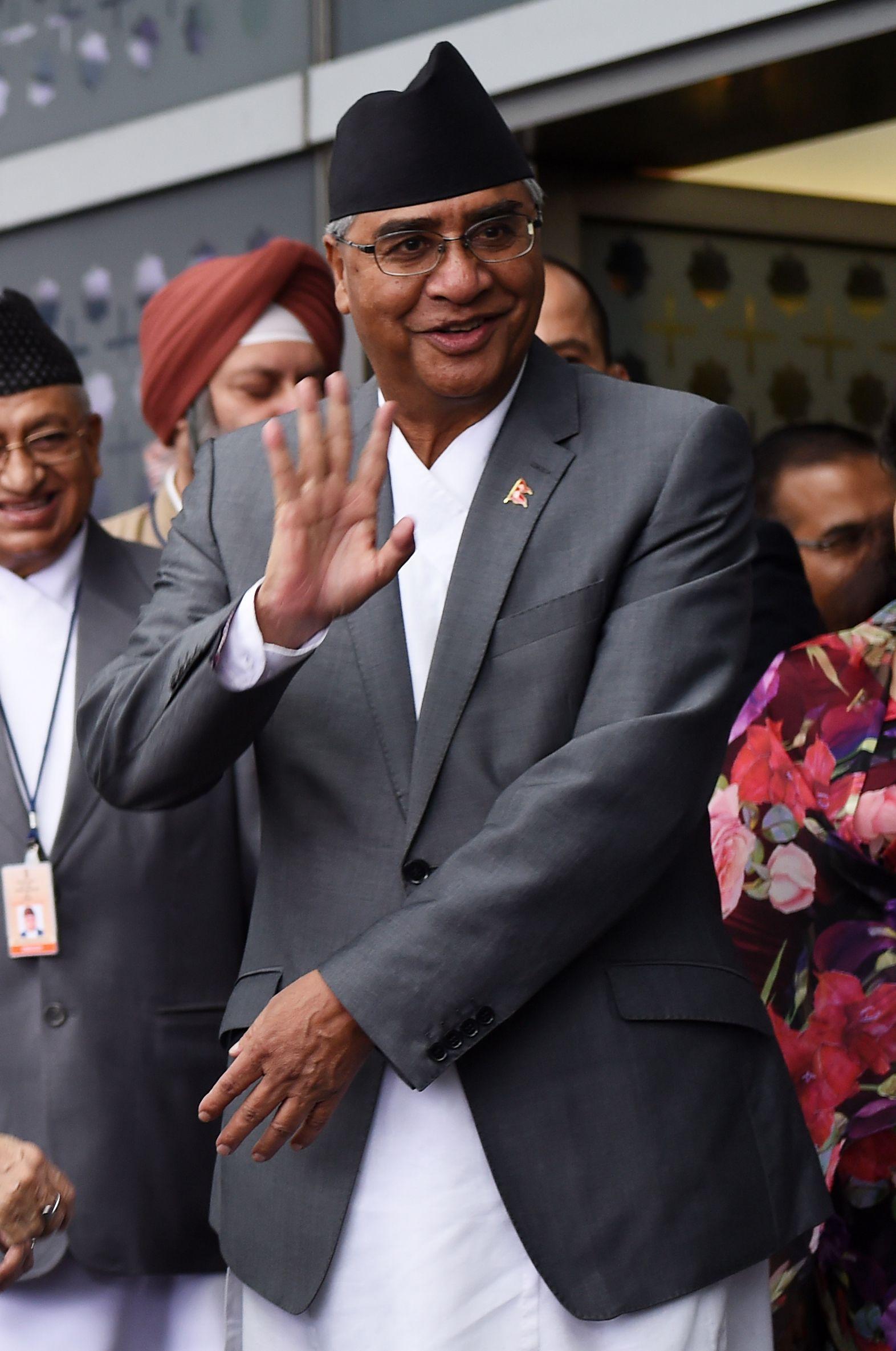 رئيس الوزراء النيبالي شير باهادور ديوبا