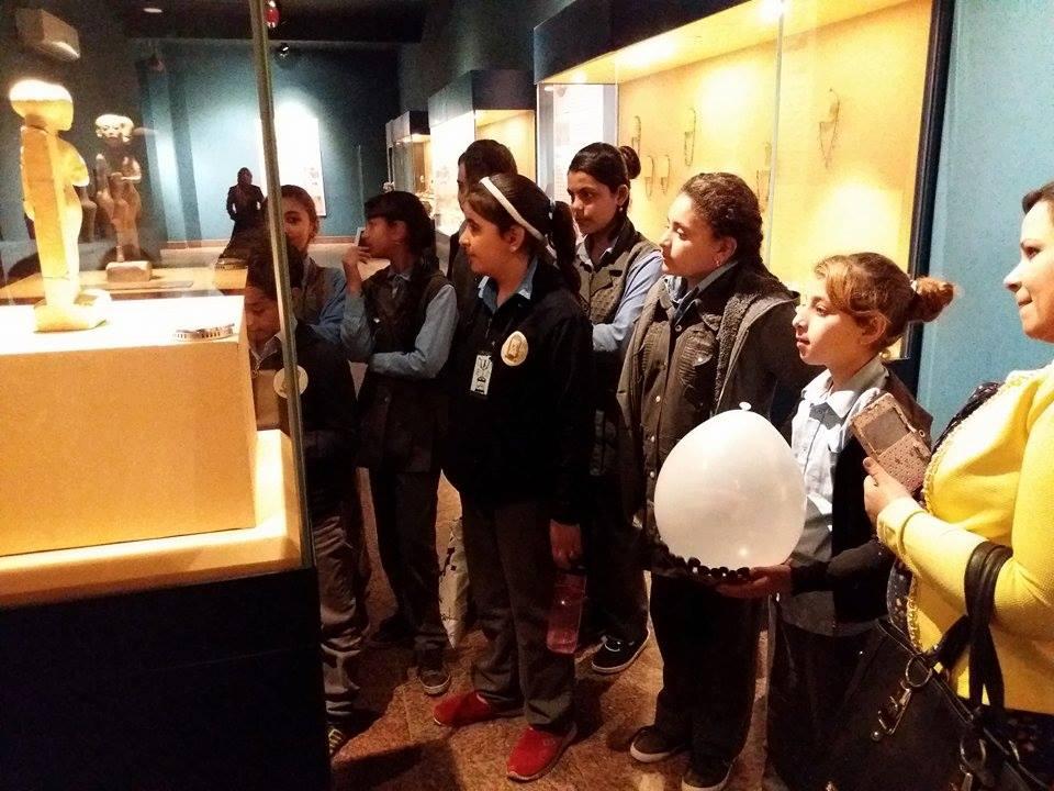 زيارة طلاب المدارس لمتحف ملوى (2)