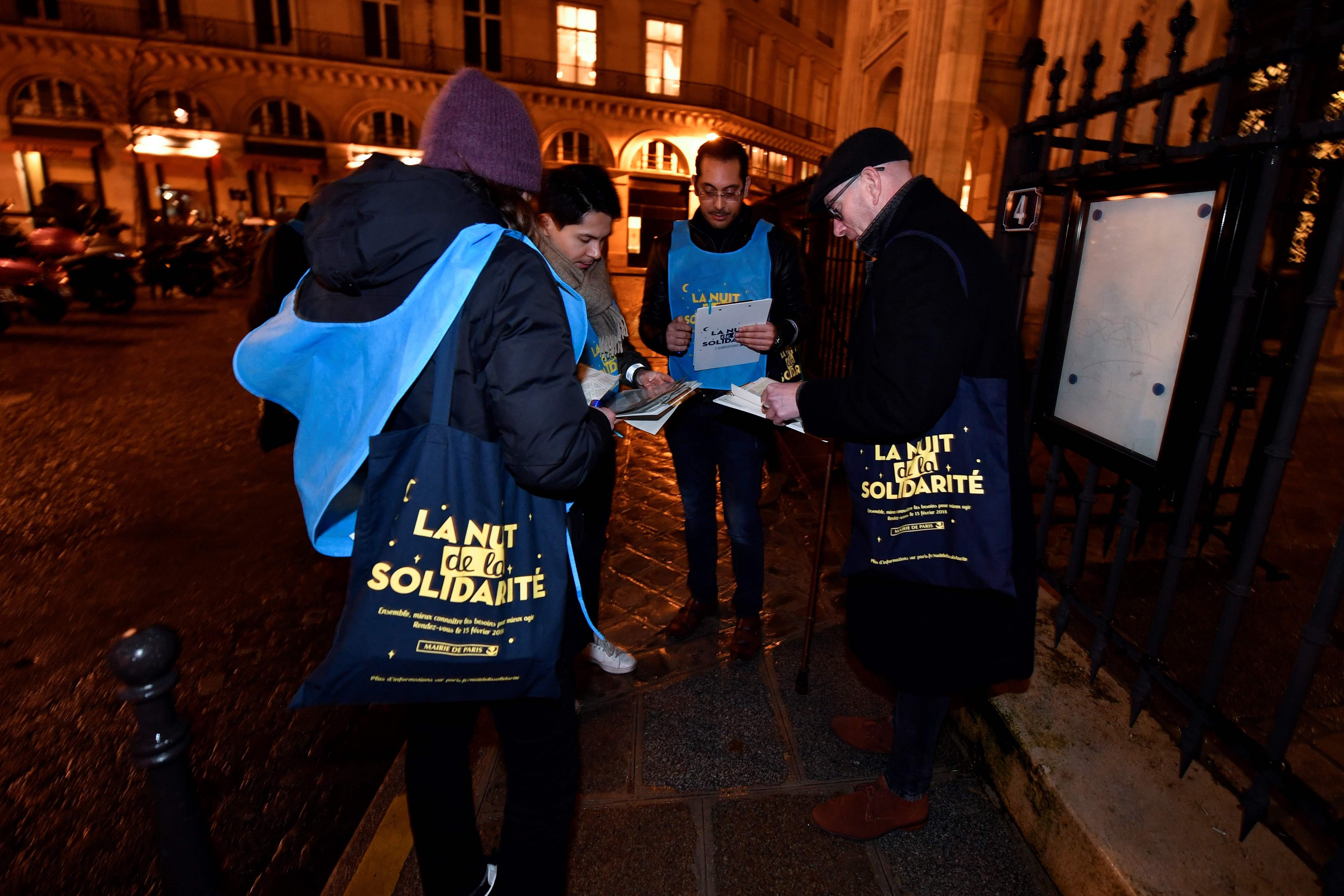 انطلاق مبادرة تطوعية فى باريس لإنقاذ المتشردين من الطقس السيئ