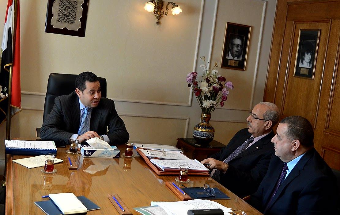 وزير قطاع الأعمال مع رئيس القابضة للصناعات المعدنية والقائم بأعمال رئيس الحديد والصلب