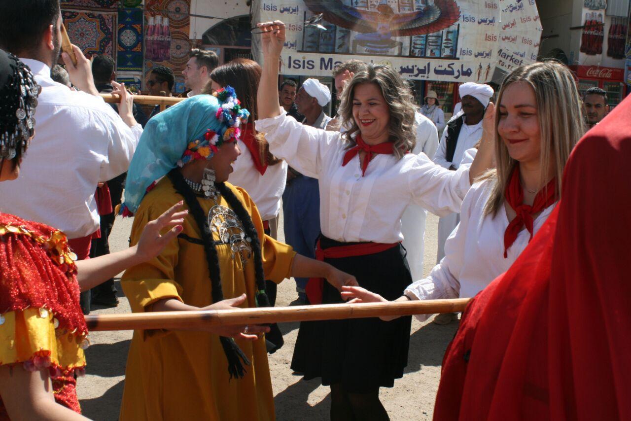 عروض لفرقة اليونان على المزمار بمهرجان أسوان للثقافة والفنون (4)