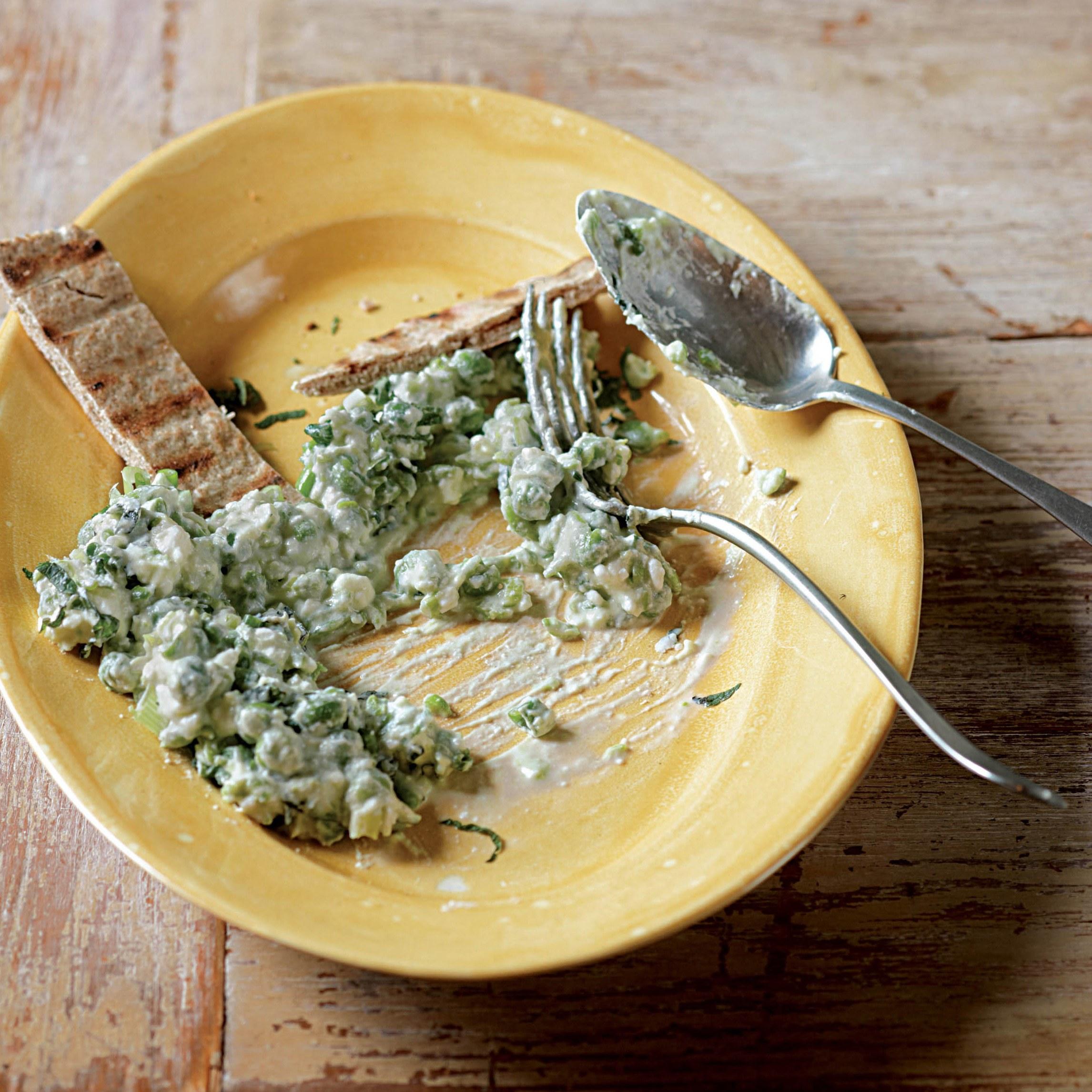 طريقة عمل البسلة بالسماق والجبنة الفيتا (1)