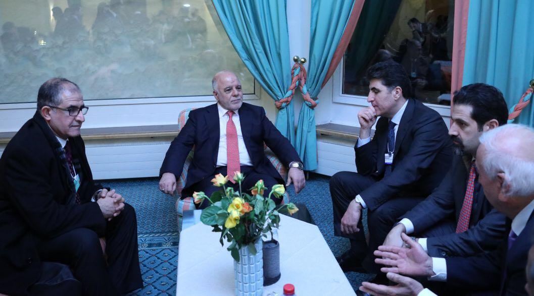الدكتور حيدر العبادى يلتقى رئيس وزراء إقليم كردستان فى دافوس