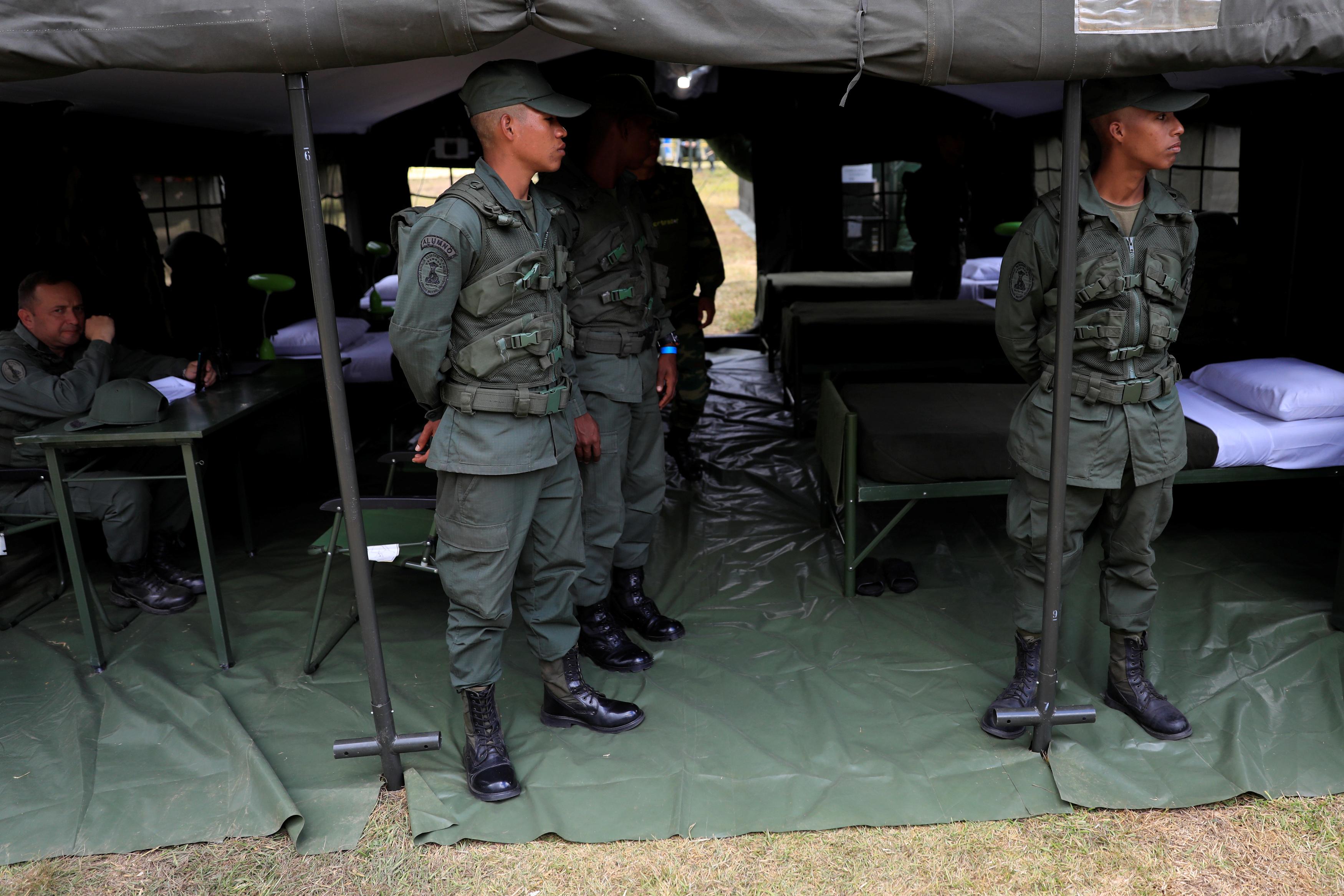 الجيش الفنزويلى خلال تدريبات عسكرية