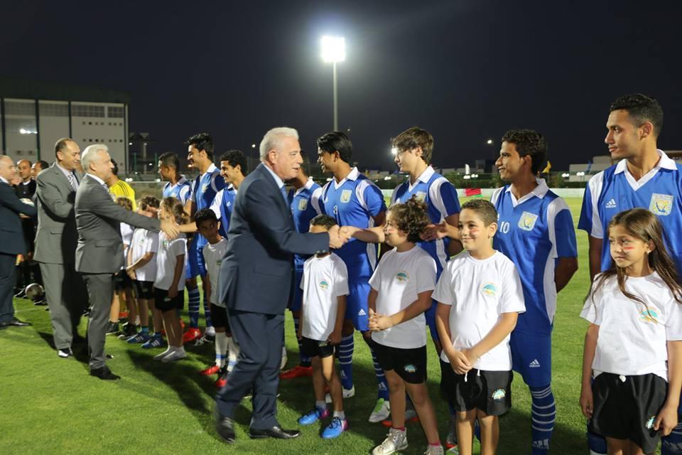 محافظ جنوب سيناء مع فريق كره القدم (1)