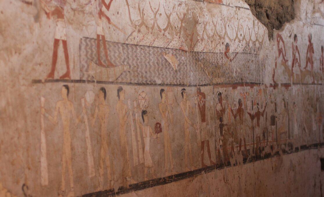 مقبرة حتبت المكتشفة بالجبانة الغربية (2)