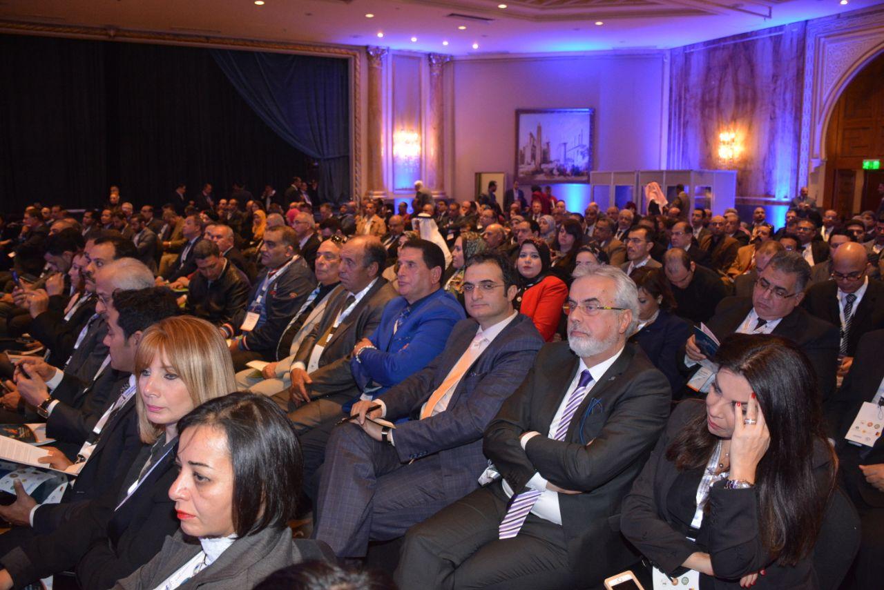 المشاركون في الملتقى الاستثماري