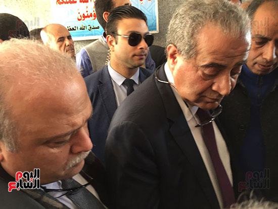 وزير التموين يطمئن المواطنين (12)