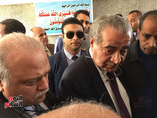 وزير التموين يطمئن المواطنين (11)