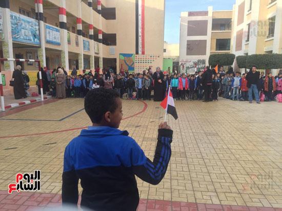 في الساعات الأولي من العام الدراسي الجديد بمحافظات مصر