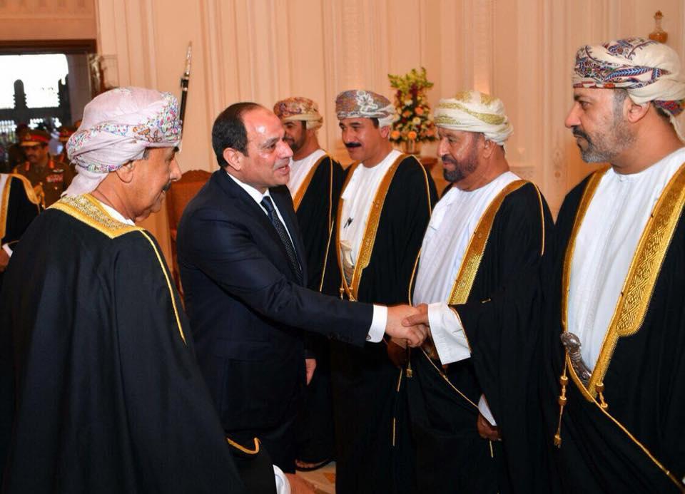 المسئولين فى سلطنة عمان فى استقبال الرئيس السيسى