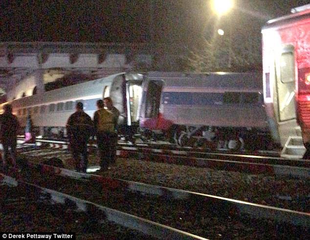 تصادم قطارين بأمريكا ومقتل وإصابة 72 شخصا