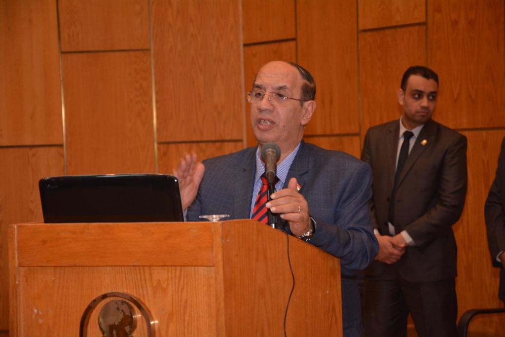 رئيس جامعة أسيوط حريصون علي دعم الأطفال من ذوى الاحتياجات الخاصة (10)