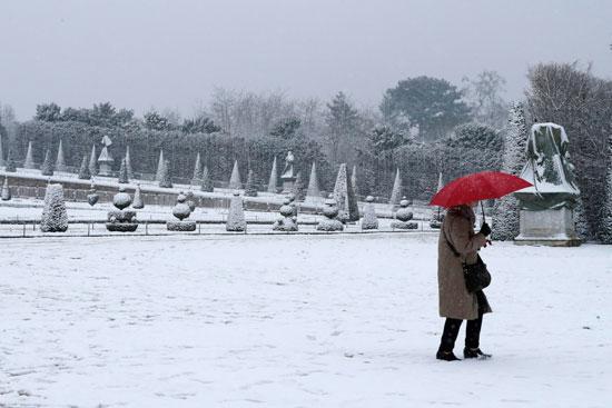 عاصفة جليدية فى باريس