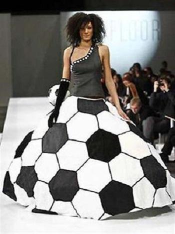 فستان الكرة