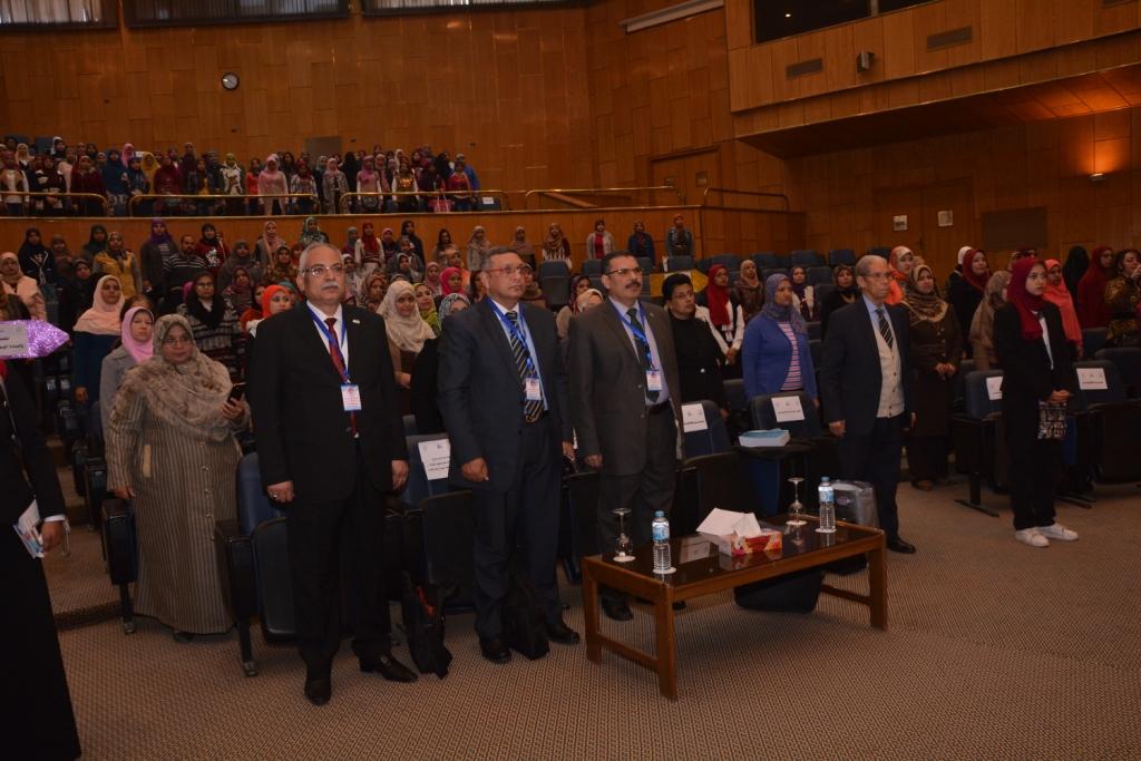 رئيس جامعة أسيوط حريصون علي دعم الأطفال من ذوى الاحتياجات الخاصة (2)