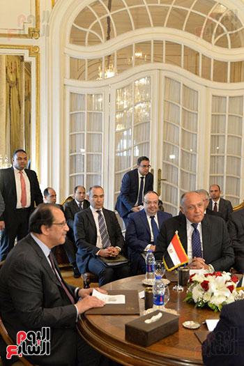القائم بأعمال مدير عام المخابرات العامة مع وزير الخارجية خلال اللقاء