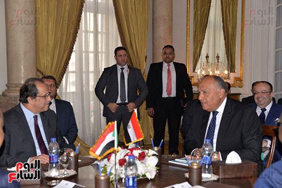 الوزير عباس كامل ووزير الخارجية سامح شكرى
