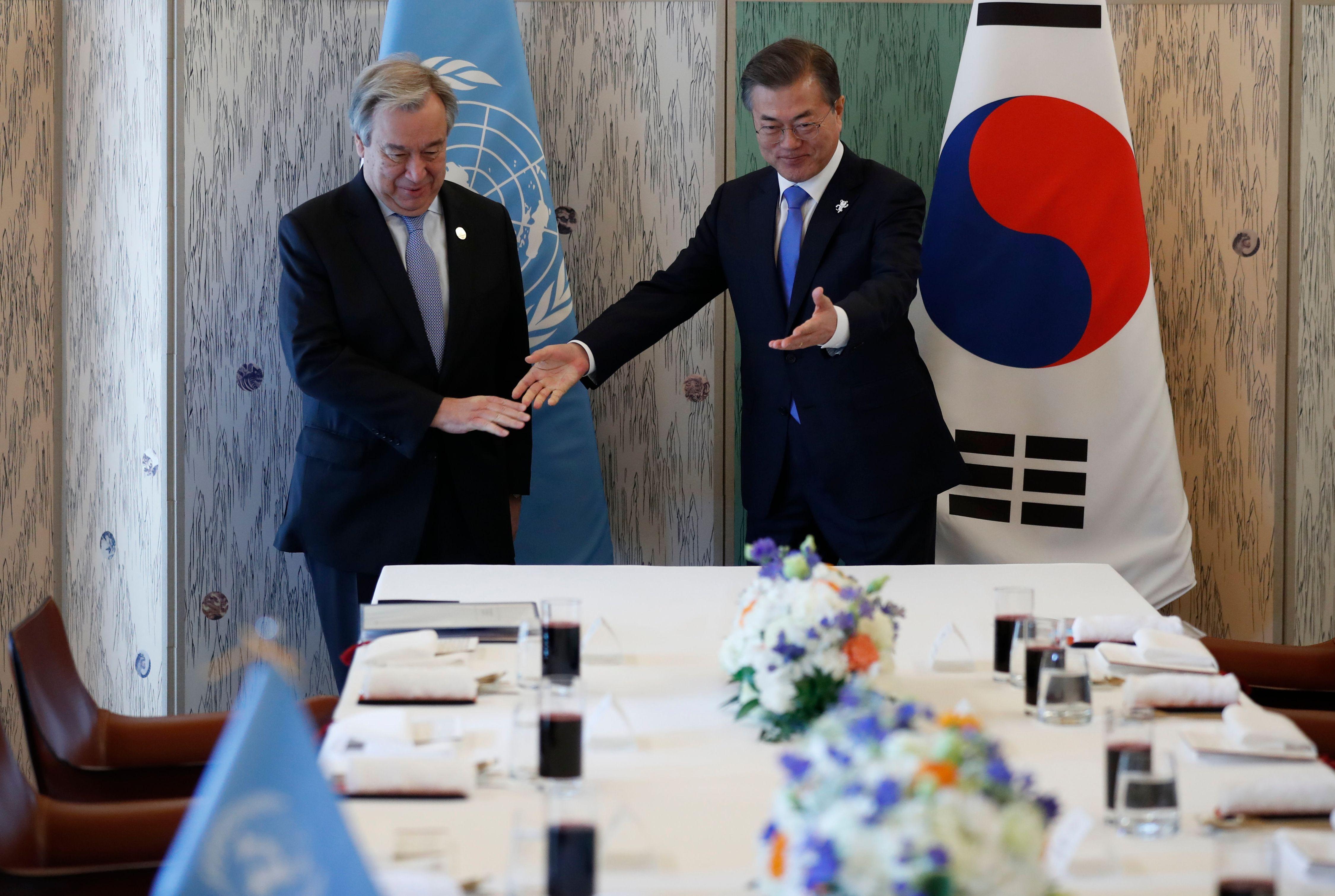 الرئيس الكورى الجنوبى مع الأمين العام للأمم المتحدة