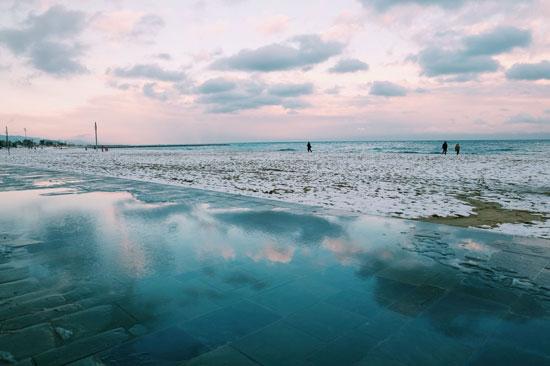 شاطئ فى إسبانيا