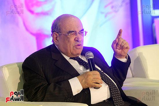 مصطفى الفقى فى ختام فعاليات اللقاء الفكرى فى معرض القاهرة الدولى للكتاب (6)
