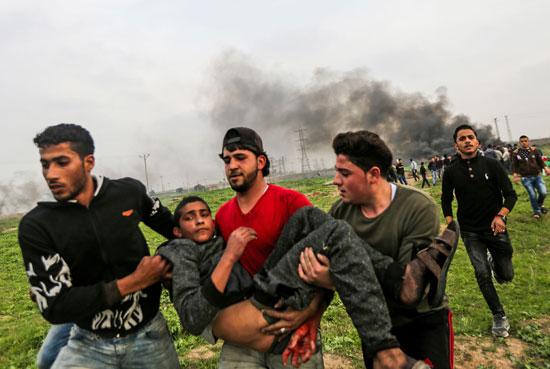 إسعاف الضحايا الفلسطينيين