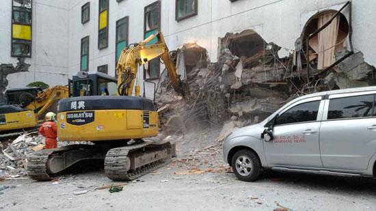 أضرار مدمرة للزلزال