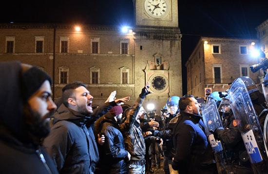 جانب من احتجاجات فى إيطاليا