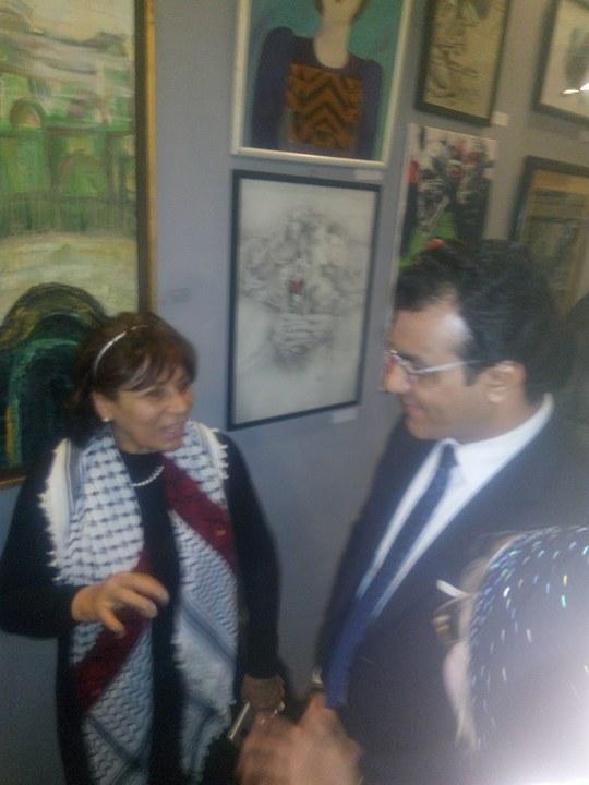 حاتم ربيع يفتتح معرض فلسطين عربية إبدية (4)