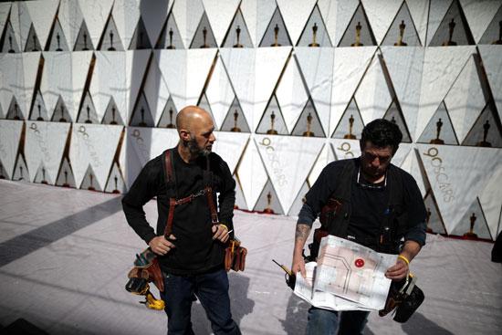 السجادة الحمراء فى انتظار حفل توزيع جوائز الأوسكار (5)