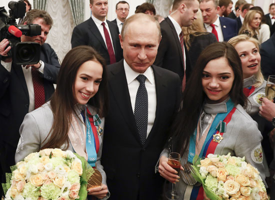 بوتين يستقبل أبطال الأولمبياد الروس فى حفل رسمى بالكرملين