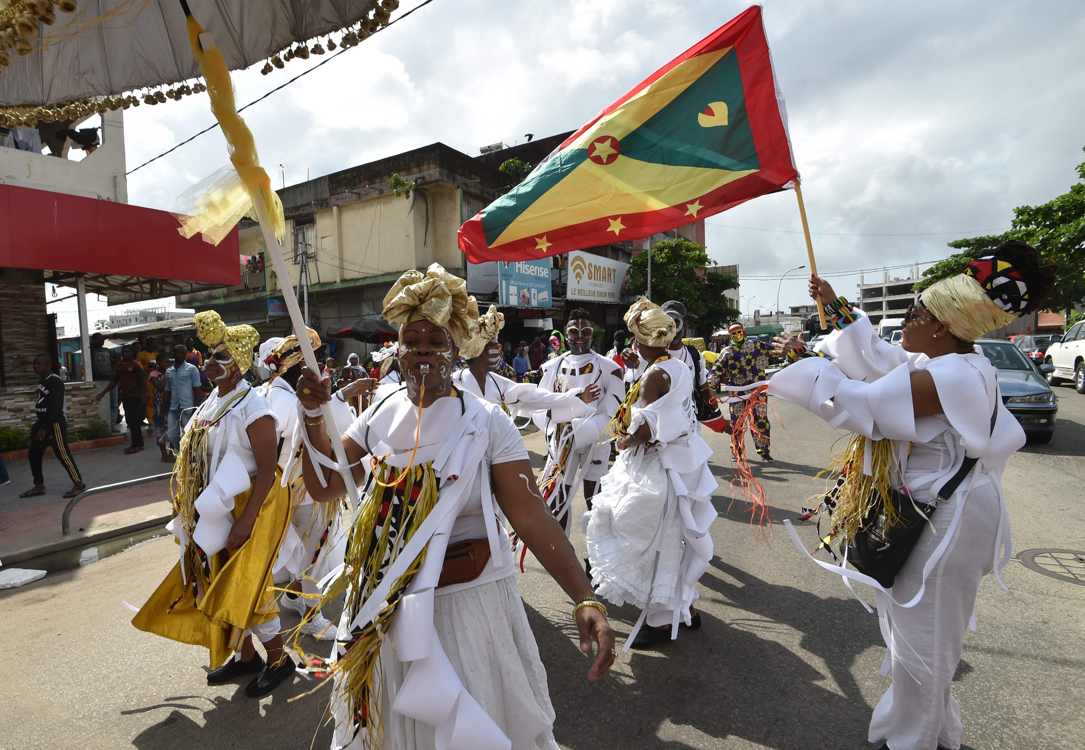 انطلاق موكب الفنون الأدائية الأفريقية فى ساحل العاج