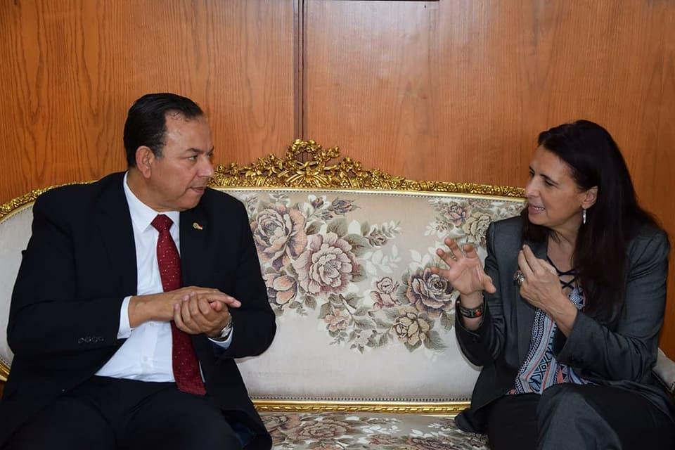 رئيس جامعة المنوفية يستقبل الوفد  (4)