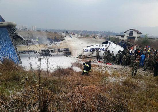 انتشار قوات الأمن بمحيط تحطم الطائرة