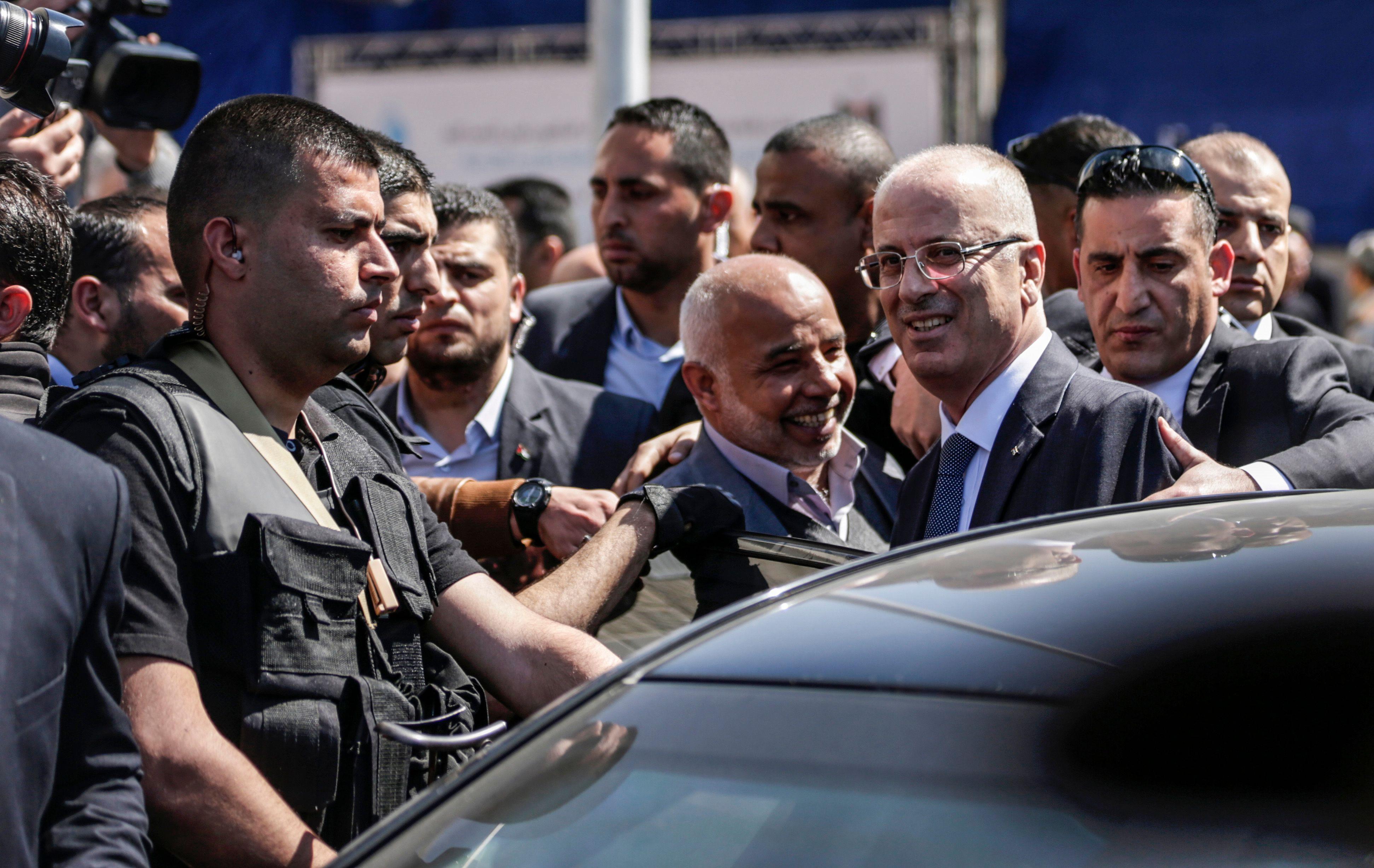 رئيس الوزراء الفلسطينى ينهى زيارته لقطاع غزة