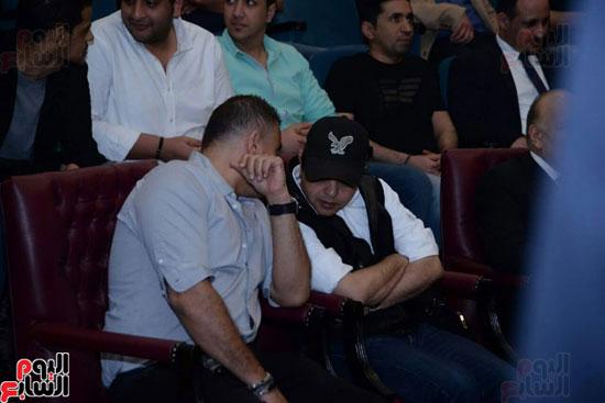 تركى آل الشيخ وعمرو دياب وهنيدى وحماقى يزورون مستشفى 57357 (2)