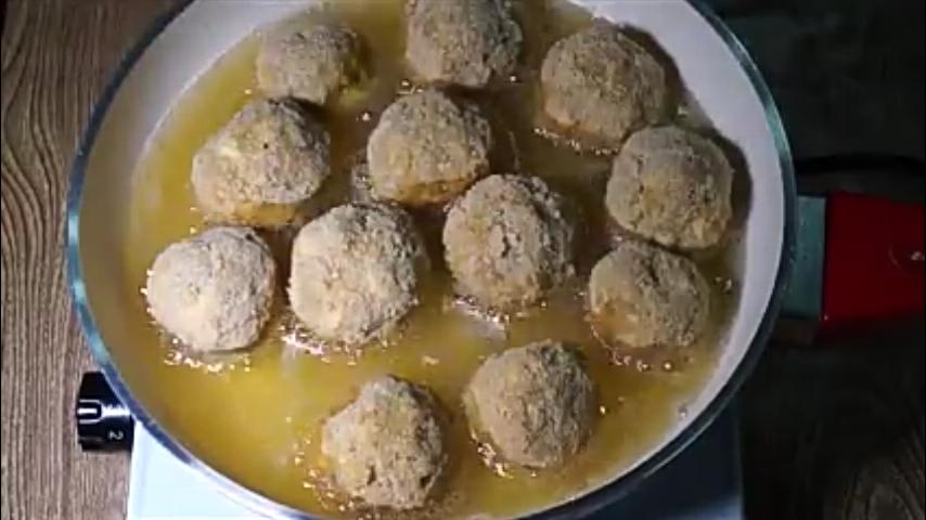 طريقة عمل كرات الأرز بالسبانخ  (4)