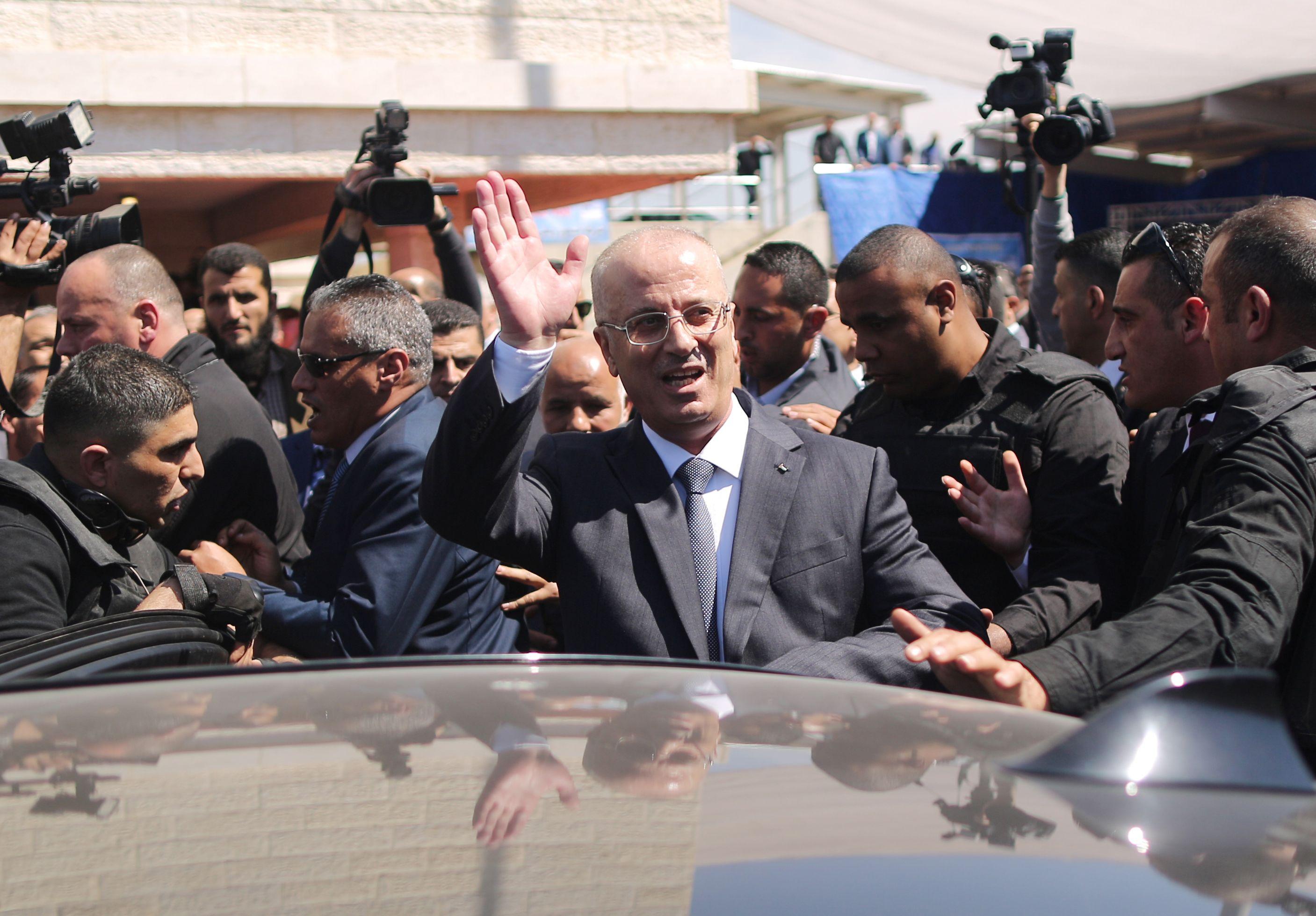 رئيس الوزراء الفلسطينى يغادر قطاع غزة