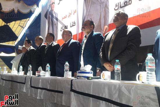 قيادات البرلمان خلال مؤتمر القصير لدعم السيسي